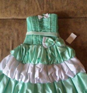 Детское нарядное платье, новое