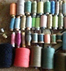 Нитки, много разных цветов ниток!