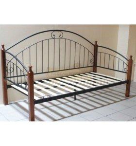 новая кровать с ортопедическим матрасом