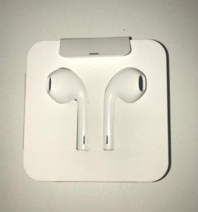 Оригинальные наушники AirPods Apple