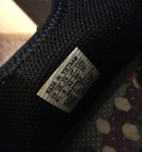 Кроссовки Adidas Human Race