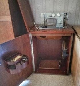 Швейная машинка Чайка III
