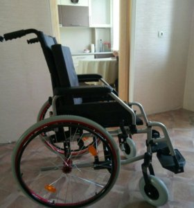 Кресло- коляска для инвалидов