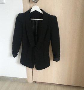 Вещи пакетом 42 р-р брюки пиджак платье юбка блуза