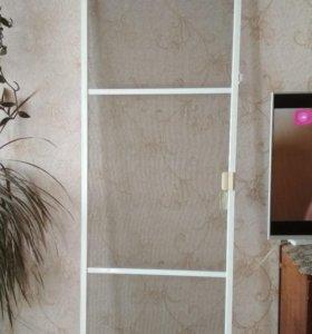 Москитная дверка на балкон