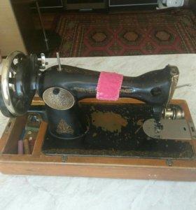 Продам ручную швейную машинку(зингер)