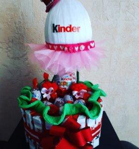 Киндер торт из конфет
