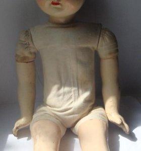 Старая кукла из папье-маше