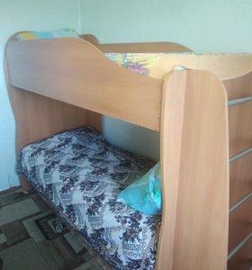 Кровать двухярусная