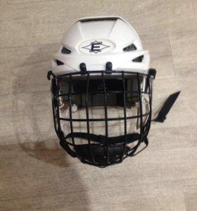 Хоккейный шлем на мальчика