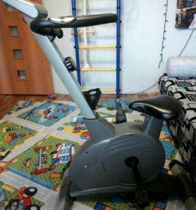 Велотренажер TORNEO, 8 скоростей