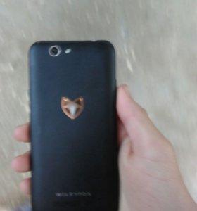 Wileyfox spark обменяю на айфон 5s с моей доплатой