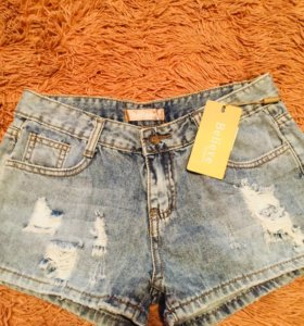 Короткие шорты размер 46