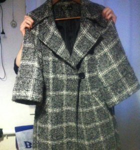 пальто демисезонное с поясом ,фирма лав репаблик