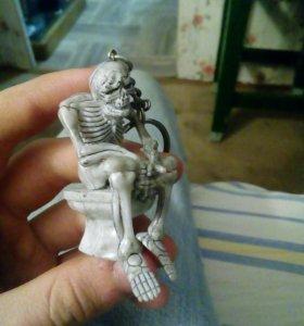 Брелок скелет