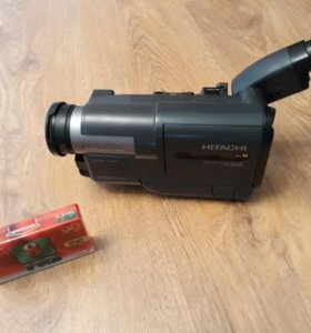 Hitachi 8mm видеокамера VM-E210E