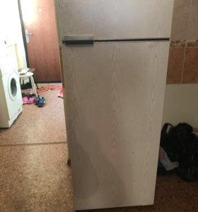 Холодильник(не рабочий)