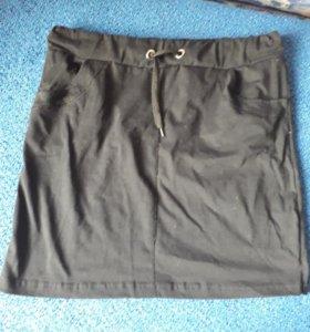 новая легкая спортивная юбка
