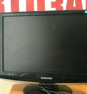 """Монитор Samsung 933NW на 19"""""""