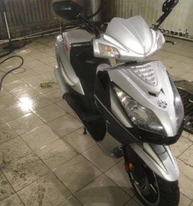 Продам скутер IRBIS 150