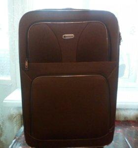 Продаю чемодан