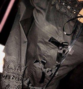 Блузка с кружевной отделкой