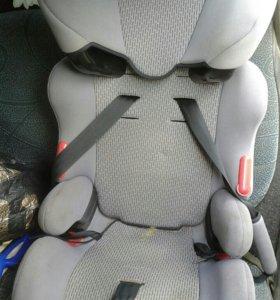 Кресло детское в машину
