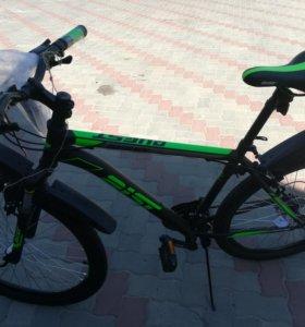 Горный новый велосипед