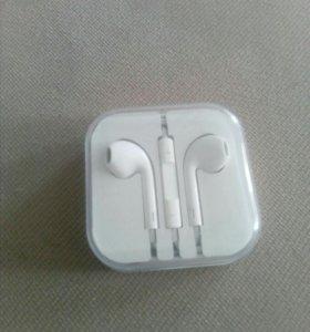 Наушникт Apple