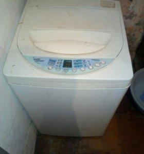 Машинка стиральная на запчасти.