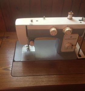 Швейная машинка чайка 142 ножная