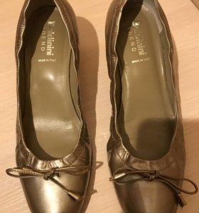 Красивые кожаные туфли