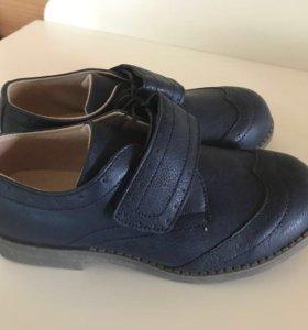 Школьная обувь туфли Мокасины Mothercare новые