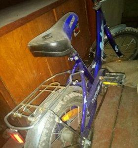 детский велосипед, на 3-6лет,почти не катались
