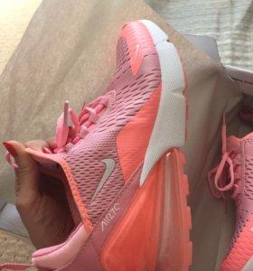 Кросовки Nike air 270