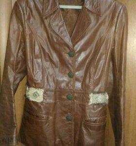 Кожаный пиджак р.42-44