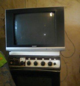 Телевизор рабочий! Большой с пультом.