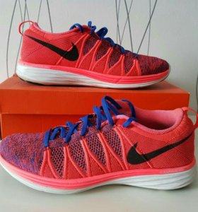 Кроссовки Nike Lunar Flyknit 2