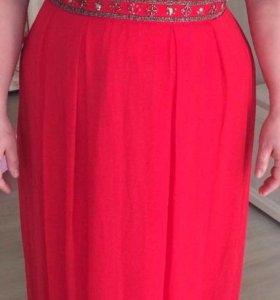 Платье праздничное  размер 48-50