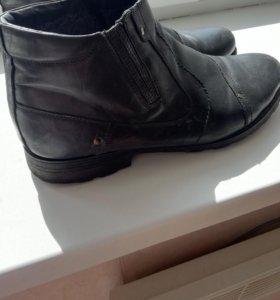 Зимние полу ботинки нат кожа и мех в отличном сост