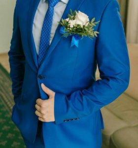 Мужской костюм + рубашка и галстук