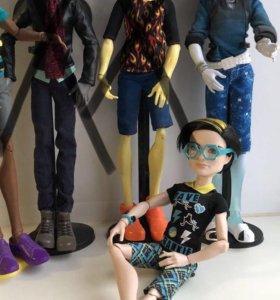 Куклы мальчики Monster High