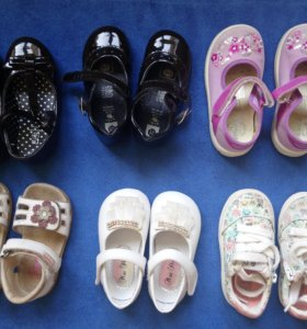 Обувь на девочку (туфли, кеды)
