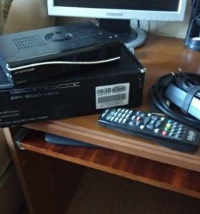 Спутниковый ресивер Dreambox и видео регистратор в