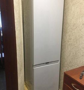 Холодильник Hotpoin