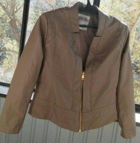 Куртка кожанная женская новая