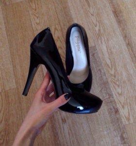 Лакированные туфли , обмена нет