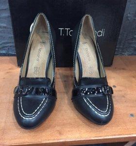 Туфли черные новые 36 р