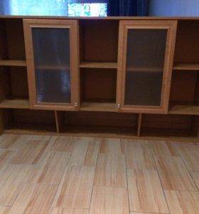 Книжный подвесной шкаф