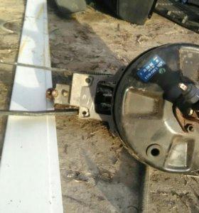 Педальный узел с главным тормозным цилиндром